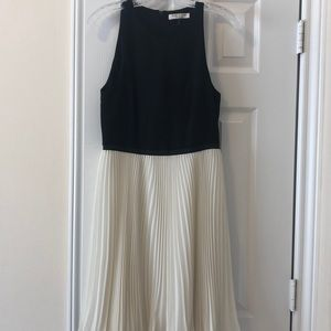 Halston Heritage size 4 cocktail dress!